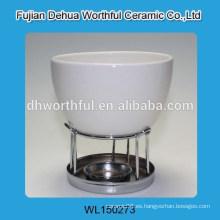 Elegante fondue de chocolate de cerámica en blanco