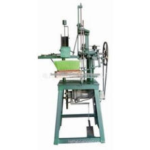 Manual broom machine