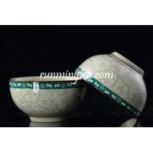 Pequeña taza de té del diseño de la flor de la dinastía de espiga con insignia