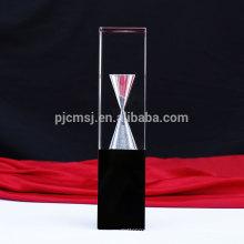 Vente chaude nouveau trophée de prix de cristal de conception personnalisée avec sablier