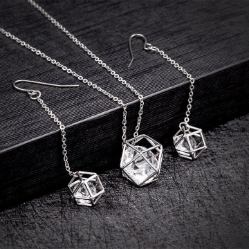 Perhiasan Kalung Stainless Steel Dan Set Anting