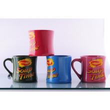 Keramische taillierte Tasse