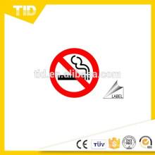Señales y etiquetas para no fumar, material reflectante