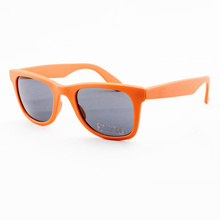New Fashion Designer Polarized Unisex Sunglasses with UV400 (91042) Xiamen