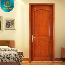 Porta de madeira estilo europeu com escultura