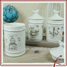 Vasilhas cerâmicas com tampa com pássaro