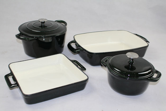 Porcelain Enamel Interior Finish Cookware Set