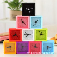 Fashion Promotional Cube Silicone Quartz Desk Clock with Alarm