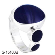 A prata esterlina do projeto a mais atrasada cozeu o anel do homem do esmalte.