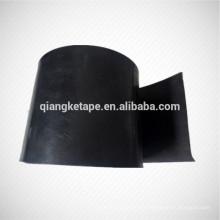 La mano aplicada aplicada calor caliente del polietileno envolvió la cinta anticorrosión de la goma de butilo del tubo de acero de la cinta de acero