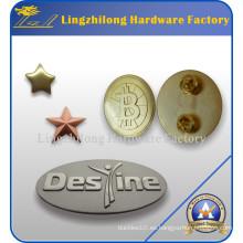 Placa de metal personalizada con tornillos y tuercas