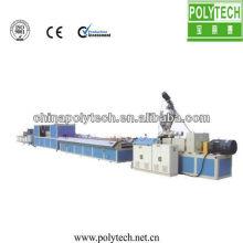 Línea de producción de perfil de placa de puerta ancha de PVC