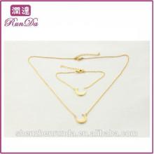Alibaba forma especial lua torque jóias conjuntos