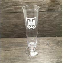 Botella hecha a mano del vidrio de cerveza del soplo del hombre con la capacidad grande