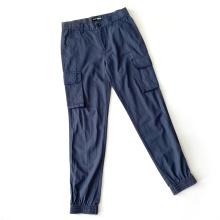 Pantalones de chándal de hombre con parte inferior ajustada en el lateral del pantalón