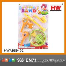 Instrumentos musicais das crianças diminutas do projeto novo 2015