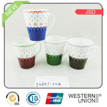 Nueva taza de café del gres del estilo