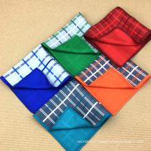 Personnalisé double-face imprimé à la main 100% en gros carrés de poche en soie