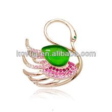 China atacado broche de ouro opala jóias broches elegante cisne forma acessórios de vestuário