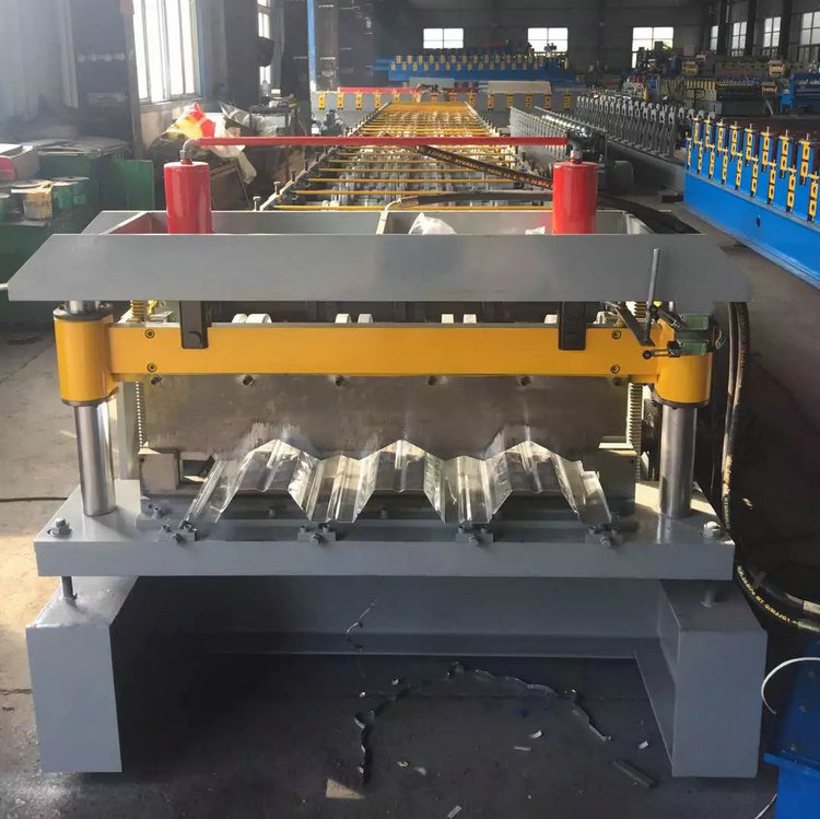floor deck plate making machine