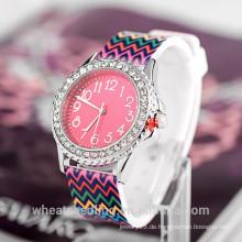 Werbeuhren neue 2015 Arten Frauen Teenager Mädchen Mode Geschenk Armbanduhr