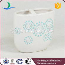 YSb50098-01-th patented chinaware toothbrush holder product