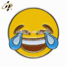 Fábrica de metal por atacado de fundição esmalte macio sorriso rosto emblemas