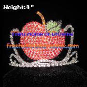Tortum elma yarışmasında kron taçlar