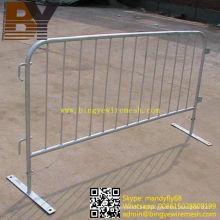 Fabricación de barreras de control de multitudes