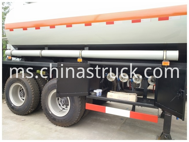 HCL Steel-Lined Polyethylene Tanker Trailer