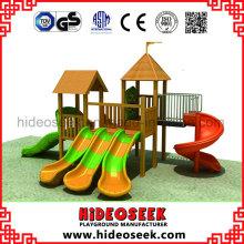 Equipo de patio de madera con tobogán de plástico