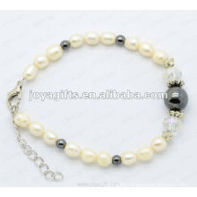 Fashion bracelet rhinestones and pearl colors