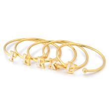 Manchette en acier inoxydable à la mode de petite commande pour le bracelet de lettre de cristal d'or de fille de femmes