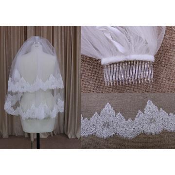 Deux couches de voile avec peigne de perles
