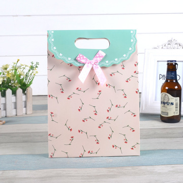 Custom Paper Gift Bag With Cuting Handle