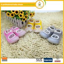 Горячие продажи нового стиля противоскользящие резиновые подошвы ребенка носки
