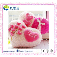 """I Love You"" Written Valentina′s Heart Shaped Pillow in Hotsale"