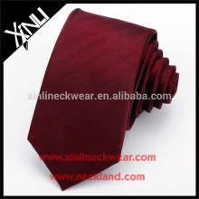 Noeud parfait fait à la main en gros 100% soie rouge cravates