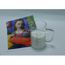 Revêtement à base d'eau réceptif de jet d'encre pour des matériaux de polyester