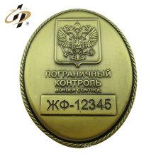 Barato insignia militar del metal de cobre amarillo de la aduana 3cm con el perno de seguridad