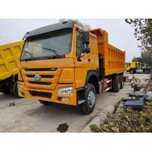 Camión volquete de transporte por carretera en buenas condiciones