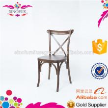 Cadeira de madeira de empilhamento moderno cruzada de madeira