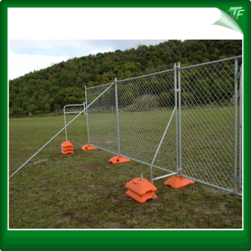 Galvanized mobile fencing panels