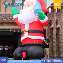 Publicité gigantesque Poussin gonflable Père Noël Noël gonflable