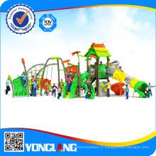 Parc d'attractions, équipement de terrain de jeux extérieur