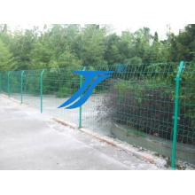 Clôture en treillis soudé à double fil métallique