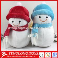 2015 Weihnachten gefüllte Schneemann mit rotem Hut und Schal