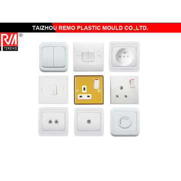 Zócalo plástico y molde interruptor