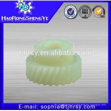 Engrenagens de pinhão helicoidal de plástico / Nylon / POM
