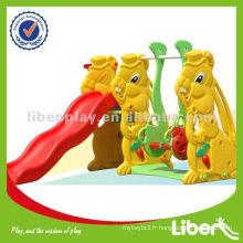 Glissière en plastique pour enfants en plein air avec balançoire LE-HT006
